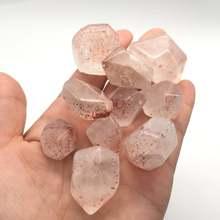 Кристалл из клубничного кварца объемный камень реики лечебный