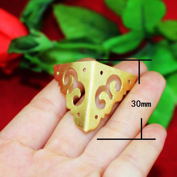 цена на 30PCS 30*30MM Gold Corner Bracket Book  Decoration Piece