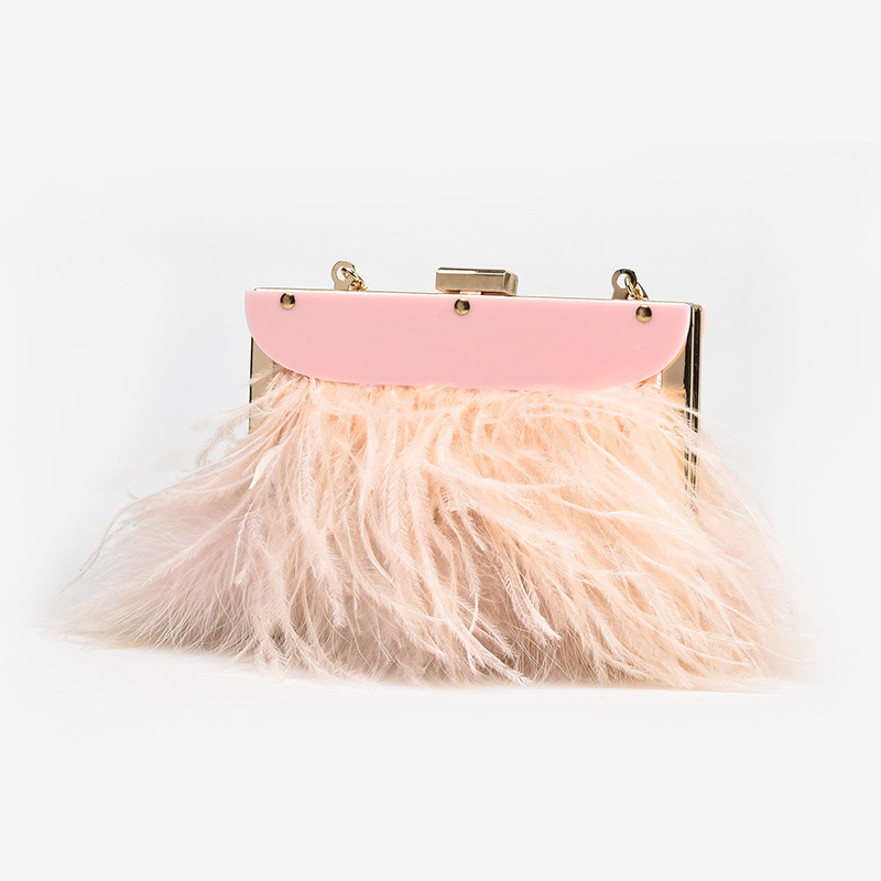 Women's Fashionable Messenger Bags Decorated with Ostrich Hair, Popular In Europe and America, Chain Bag цена 2017