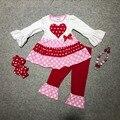 Nueva ropa de los bebés niñas v-day trajes top blanco con corazón rojo pantalones de la colmena de manga larga niñas boutique con accessoriess