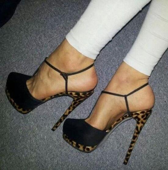 Concise Elegante T Strap Salto Alto Bombas Dedo Do Pé Redondo Plataforma Vestido Sapatos Aumento da Altura do Tornozelo Fivela T Bar Sexy Preto calçado
