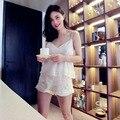 O Envio gratuito de Verão Mulheres Pijama Branco Calças Curtas Duas Peças Set Sleepweear Bordado das Mulheres Pijamas