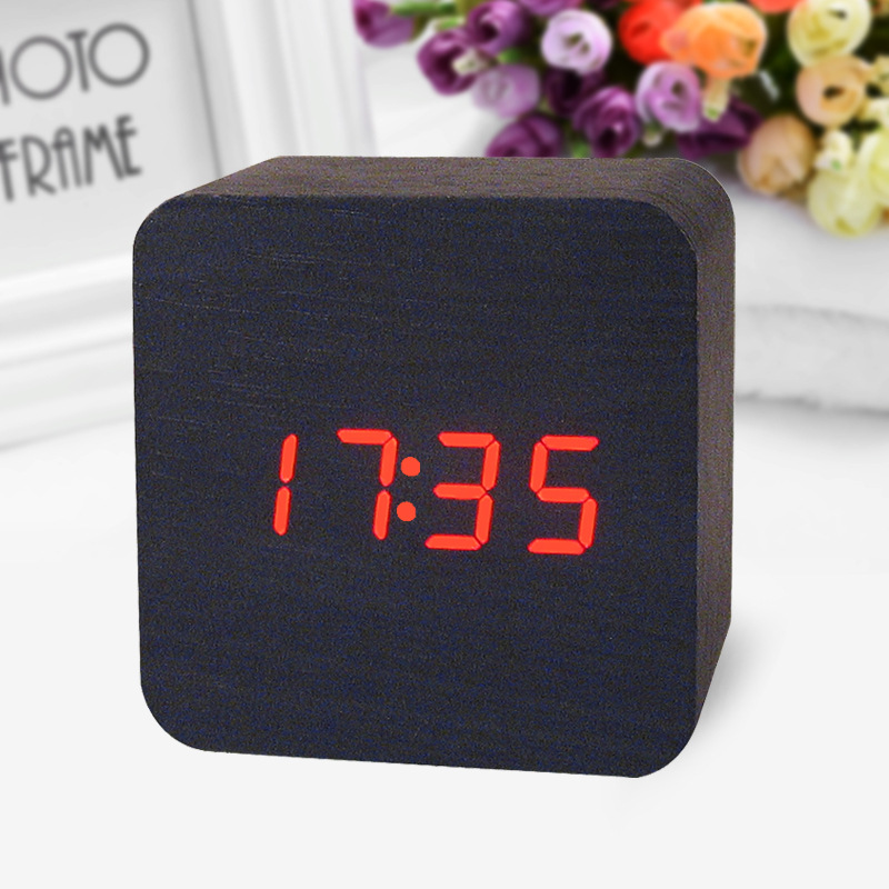 Wooden Led Digital Alarm Clock Voice Activated Date And Time Temperature Alternate Display Beautiful Home Decoration Products