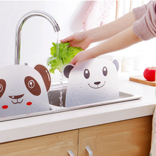 Cartoon Shape Water Splash Guard Baffle Board Sucker Wash Basin Sink Board Kitchen Gadgets Impermeable Water Baffle Plate plasma th 42pa50c board baffle tnpa3242 tnpa3243