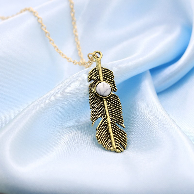 N620-Feather-Pendant-Necklaces-Fashion-2016-New-Sailor-Moon-Collares-Vintage-Leaf-Necklace-For-Women-Collier (1)