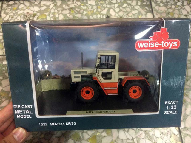 NEW Weise-toys 1/32 Scale Die-Cast Metal Model 1032 MB-Trac 65/70 weise toys 1 32 scale die cast metal model 1035 spark t4i c shift
