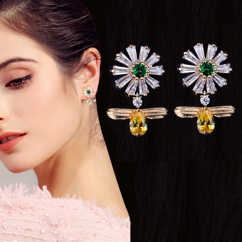 2018 New Arrival Fashion Korea Design Bee Daisy Flower Stud Earrings Shiny CZ Zircon Animal Earrings For Women Jewelry