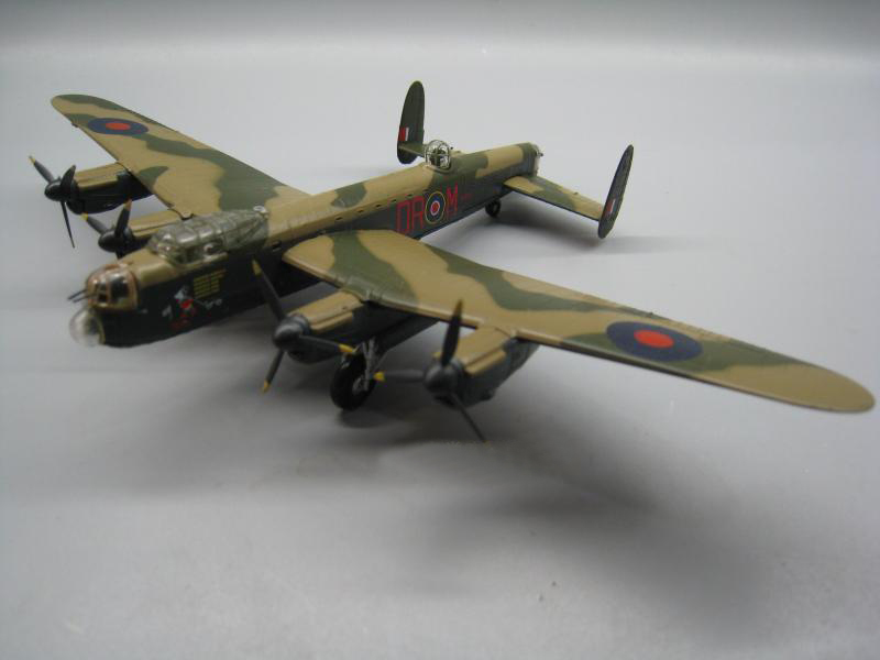 1/144 World War II Lancaster heavy bomber alloy model ae 75006 1 24 world war ii us marine corps stretcher squad