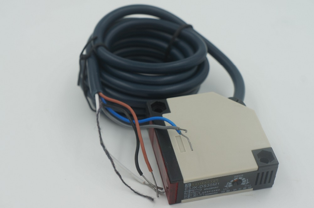 Photoelectric switch E3JK-DS30M2 AC 110-220V relay out infrared sensor switch transducer diffuse type photoelectric switch e3f ds30y2 30cm adjustable diffuse ac 220 v two wire normally closed