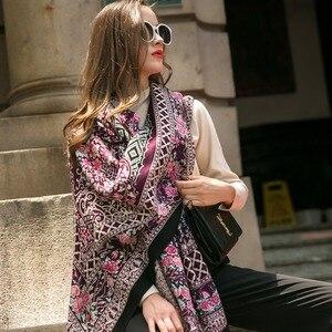 Image 1 - Moda szaliki i szale duży szalik luksusowej marki wełny Wrap muzułmański hidżab Poncho szalik z pledu indie chustka osłona twarzy