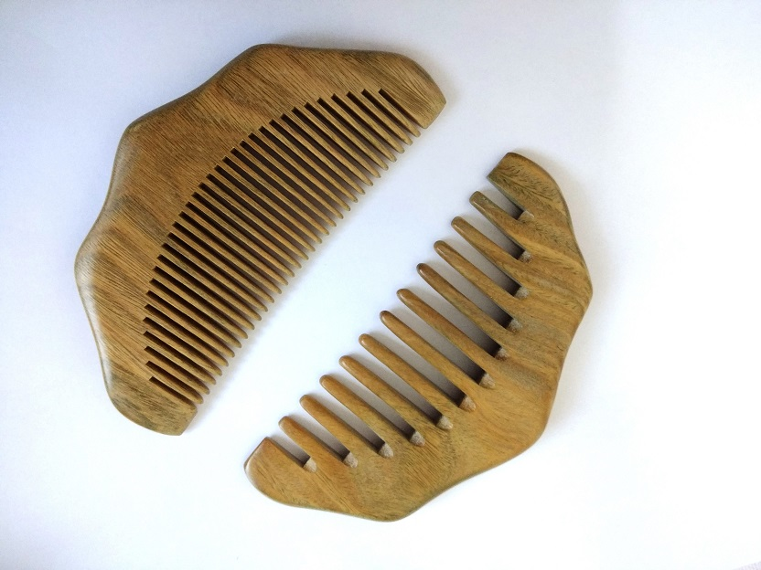 2PCS Natural Wood Green Sandalwood Wavy Comb Wide/Fine Teeth Comb Pocket Beard Comb Whol ...