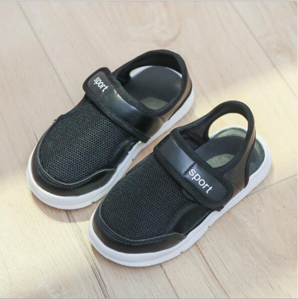 Korean version 2018 summer new childrens shoes boy, Baotou children sports sandals, children, mesh, breathed and semi sandals.