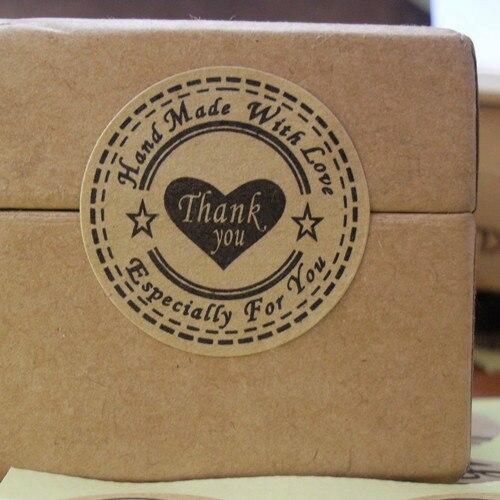 Купить с кэшбэком New! Wholesale 100pcs/lot Round 30mm Kraft Seal Sticker, 'Handmade with Love' Sticker, Thank you Hand made Kraft Paper etiquetas