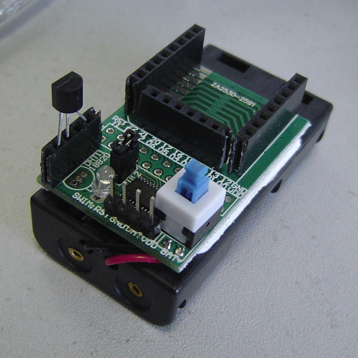 Zigbee serial transmission module of wireless temperature acquisition battery plate +DS18B20 send control program