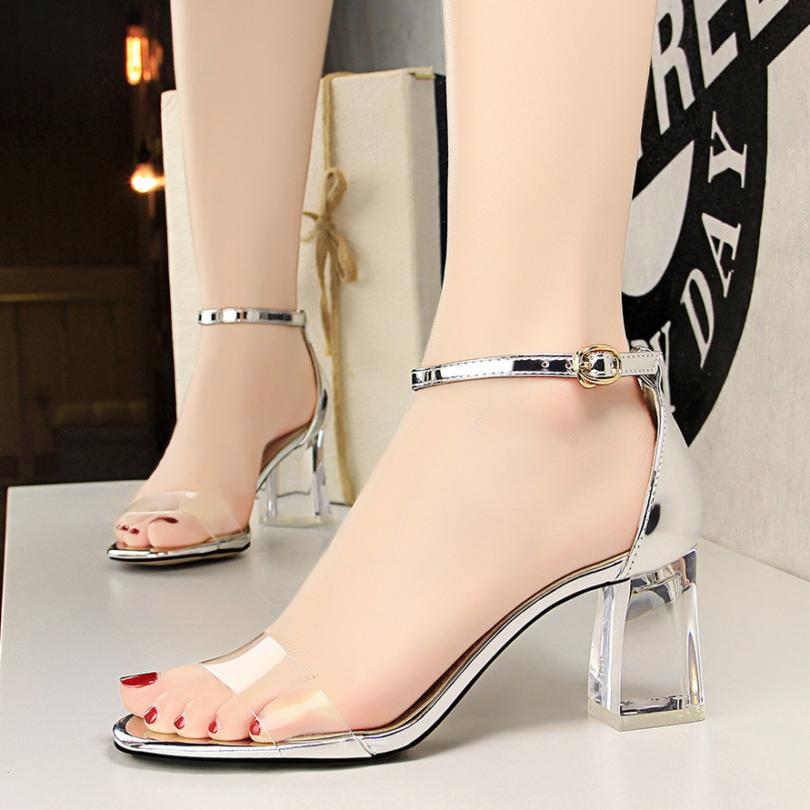 2018 Summer Casual Women Thick Clear Heels Sandals Transparent Block Low High Heels Female Pink Sliver Strap Sandals Jelly Shoes