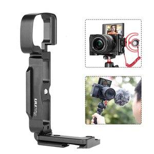 Image 2 - UURig A6400 אנכי L סוג צלחת Vlog דיור כלוב הר ידית וידאו Rig מצלמה סוגר בעל w מיקרופון קר נעל עבור Sony A6400