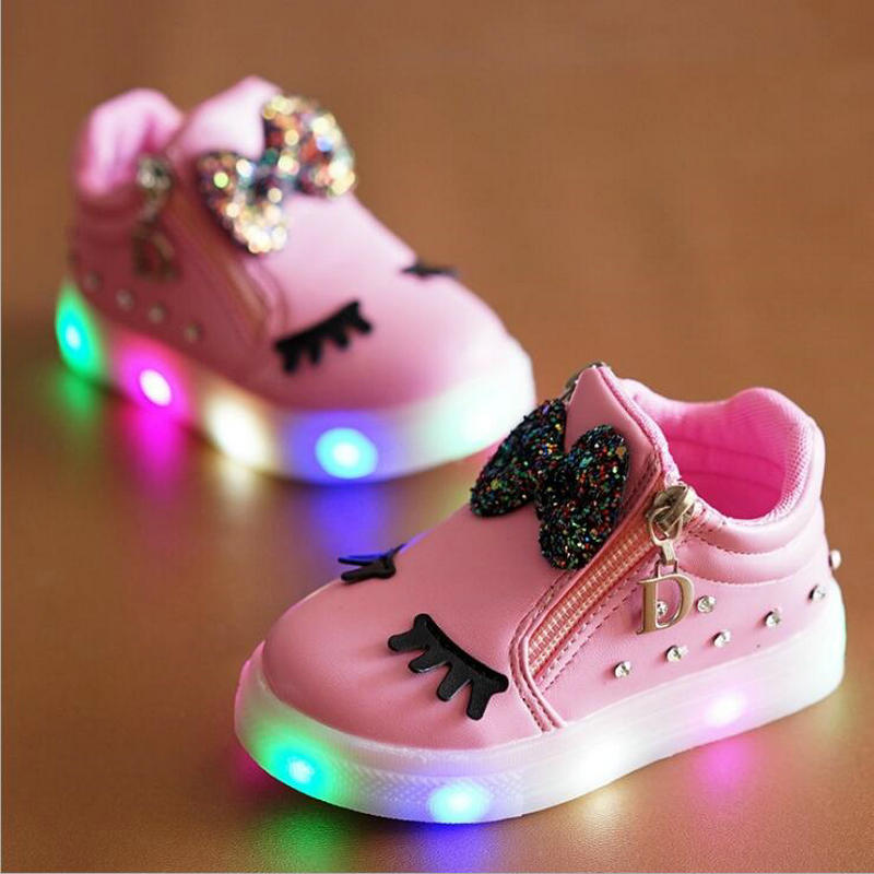Hot Fashion Children Glowing Sneakers With light LED Kids Princess Girls Shoes Bow Spring Autumn Cute Baby Shoes EU Size 21-30Hot Fashion Children Glowing Sneakers With light LED Kids Princess Girls Shoes Bow Spring Autumn Cute Baby Shoes EU Size 21-30