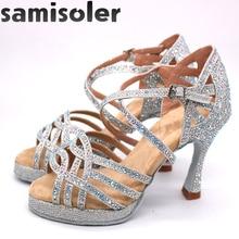 ayakkabıları taklidi topuklu kızlar