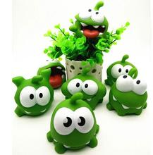 Random 1pcs 7cm om nom Frog Cut The Rope Action Figure Toys With Sound BB Noisy Toys For Kids поло print bar om nom
