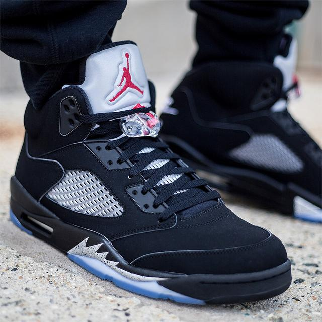 04fd4c5ebbf JORDAN 5 Basketball Shoes AJ5 Low help JORDAN Sneakers Men Basketball Shoes  Jordan 5 size 41 47-in Basketball Shoes from Sports   Entertainment on ...