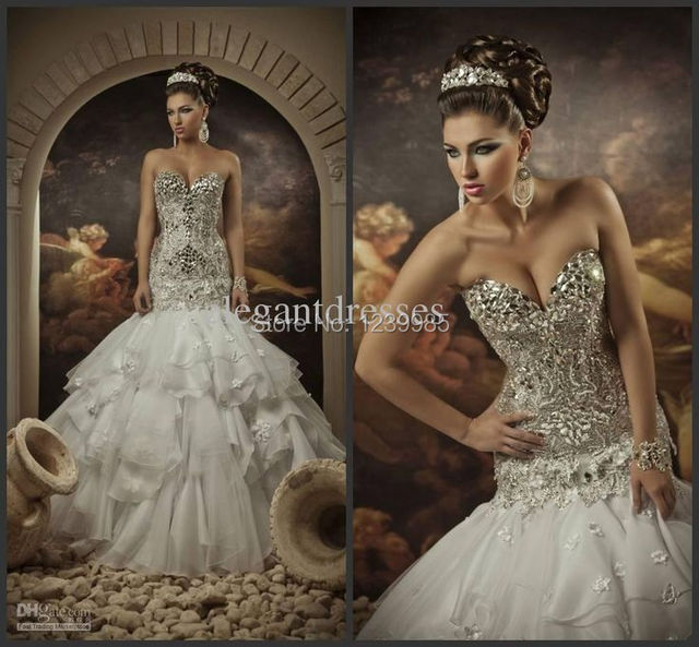 Romantic Luxury Arabic Wedding Dresses Sexy Sweetheart Sleeveless Beaded Tiered Trumpet Bridal Gowns With Sequins Crystals