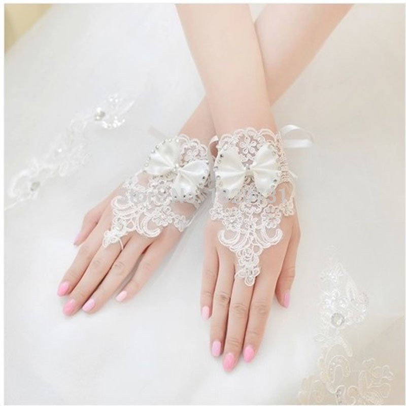New Arrival White And Ivory Bow Lace Wedding Accessories Appliques Crystal One Size Fingerless Wedding Gloves