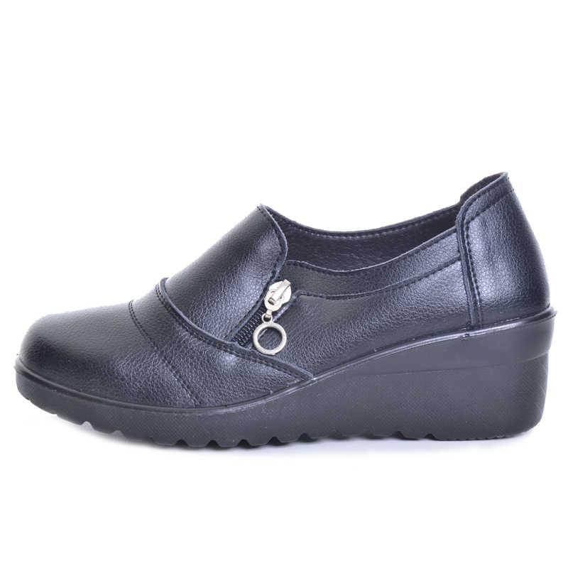 TOPUK BÜYÜK Kadın yarım çizmeler 2017 Yeni Sonbahar Yumuşak PU Deri platform ayakkabılar Kadın Zip Düşük Takozlar Ayakkabı Boyutu Artı 35- 41 XWD4112