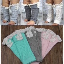 Модные зимние теплые гетры для маленьких девочек; вязаные сапоги с кружевной отделкой и пуговицами; носки до колена с манжетами для маленьких детей; гетры
