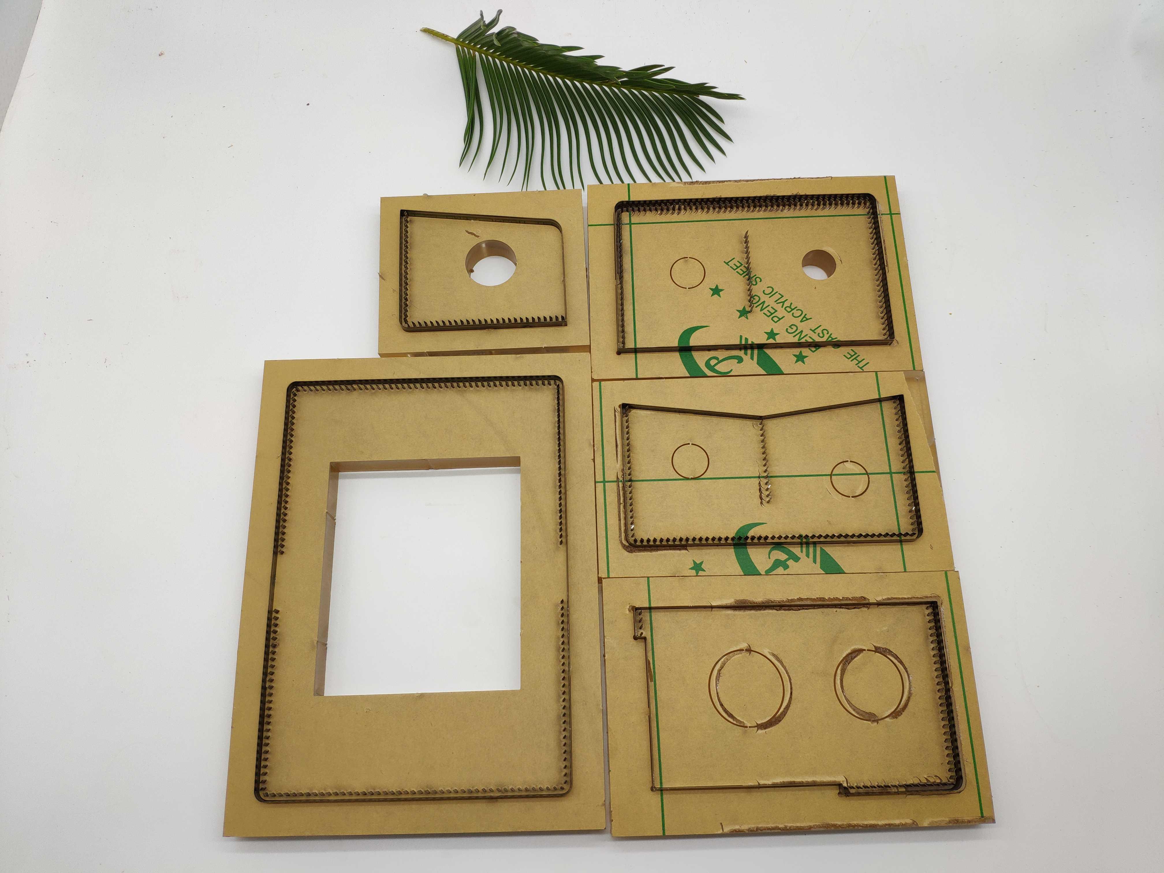 Règle de lame en acier du japon en acier découpé avec des matrices en bois de moule de coupe de portefeuille de poinçon en acier pour le coupeur en cuir pour l'artisanat en cuir 105x140mm - 2
