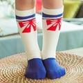 Jiabi Nuevo 2016 Niños de Los Niños Hasta La Rodilla Calcetines de Las Muchachas de Corea de La Historieta Linda Pajarita Roja de Algodón Calcetines de Bebé Calcetines Largos