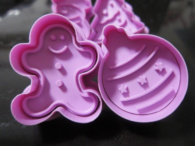 Useful gadgets Biscuit Mold 3D Cookie Plunger Cutter