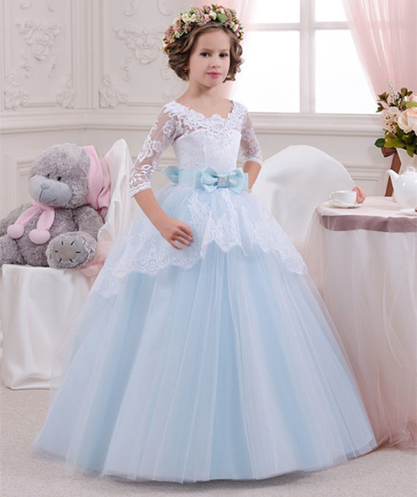 2018 Puffy Tulle Light Blue Flower Girls Dresses Scoop Neck Lace Applique Girls Communion Gown with Bow Any Size light blue scoop neck crochet floral lace trim cami top