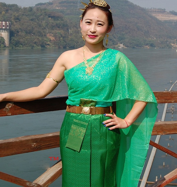 Thailandia s \u0027stile tradizionale verde vestito Dai vestiti delle donne  saluto spruzzi d\u0027acqua
