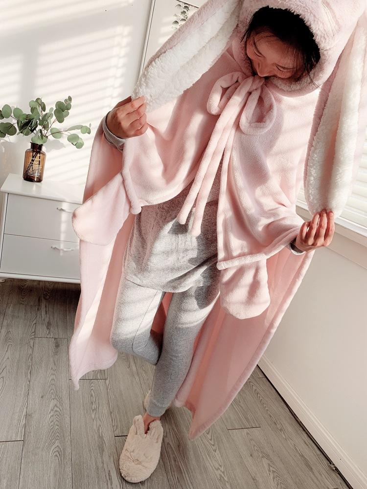 Cute Pink Comfy Blanket Sweatshirt Winter Warm Adults and Children Rabbit Ear Hooded Fleece Blanket Sleepwear Huge Bed Blankets 137