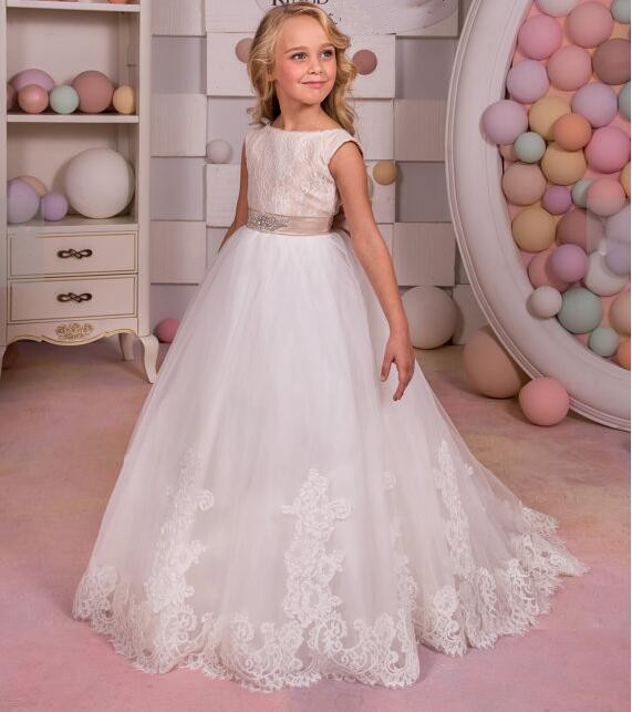Ivory Lace 2018 Girls Dresses for Wedding with Beaded Sash Flower Girl Dress Girls Communion Dress Pageant Gown