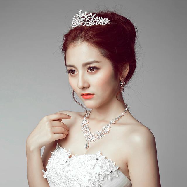 Corona marca de fábrica famosa 3 unidades Headwear + pendientes + collar de la novia del tocado de encaje de regalo de boda de la novia de joyas de Corea