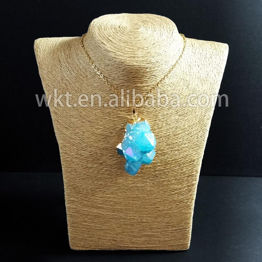 6b0861840b11 WT N497 al por mayor aura azul Aqua Cluster piedra collar con 24 K oro  strim cadena en Collares pendientes de Joyería y accesorios en AliExpress. com ...