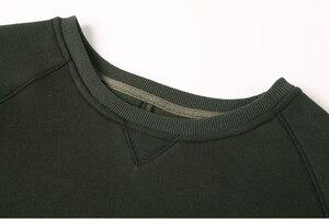 Image 5 - Homens hoodies do velo de espessamento sólida Metrosexual homens marca inverno camisola nova chegada fino de algodão casual o pescoço da moda F0011