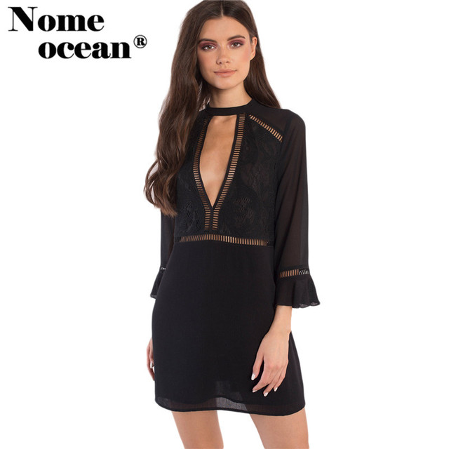 Zwarte jurk met diepe v hals