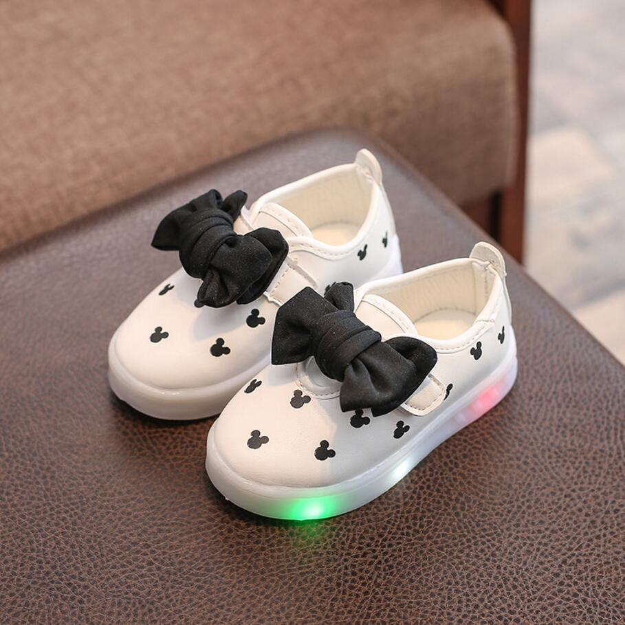 New  Spring Autumn Girls shoes Led Colorful Light Shoes Bowknot Kids Sneakers Childrens Cartoon Flat Shoes Size 21-30New  Spring Autumn Girls shoes Led Colorful Light Shoes Bowknot Kids Sneakers Childrens Cartoon Flat Shoes Size 21-30