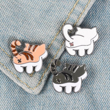 Cute cat butt pins preto branco laranja gato broches tabby gato lapela pinos kitty emblemas presente para o amante do gato(China)