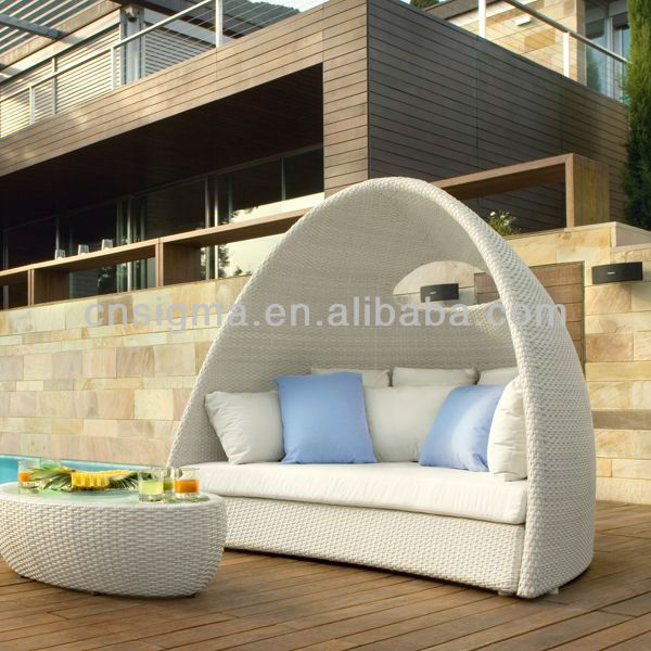 Garden Furniture Pod 2017 design furniture pe rattan synthetic wicker daybed outdoor
