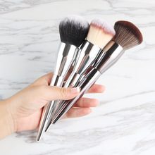 1 Piece Champagne Gold Precision Liquid Foundation Brush Perfect Pro Tapered Buffing Sculpting Angled Makeup Brushes Tools