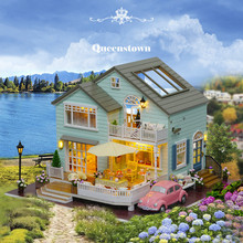 Cute Families House DIY New Dolls Zealand Queen Town Luxury Villas Toys for Girls Kids Juguetes Brinquedos