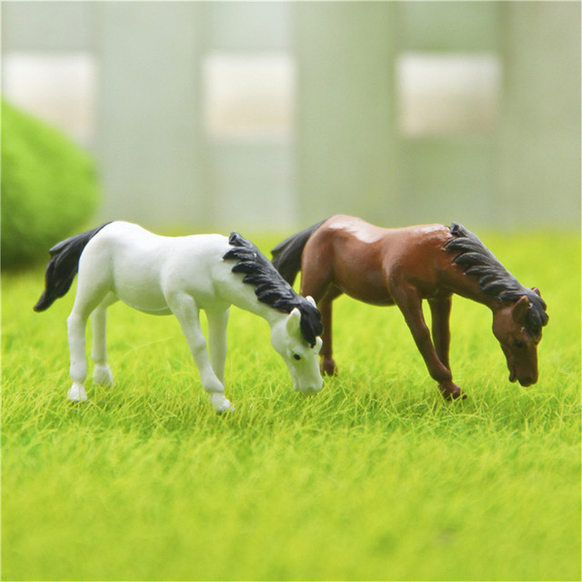 2pcs Minitature Horses for Decoration