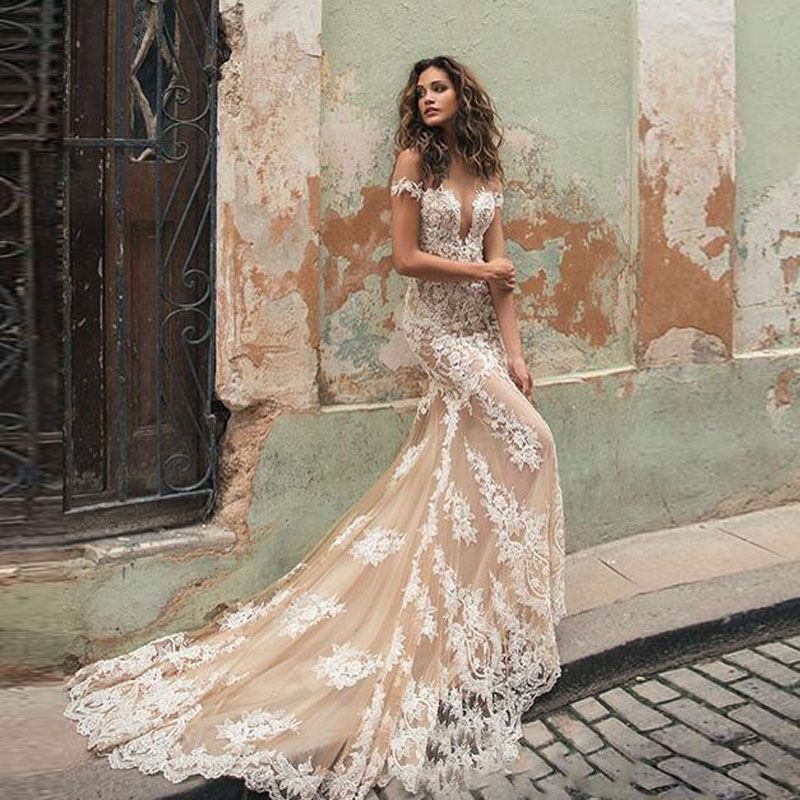 10fd88c77a199 US $153.55 17% OFF|2019 Gorgeous Appliques Tulle Wedding Gowns Deep V Neck  Sleeveless Lace Back Champagne Bridal Gowns Elegant Women Dresses -in ...
