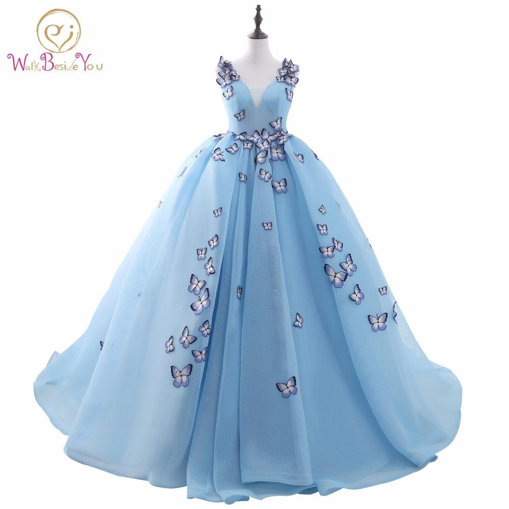 100% echt Bild Quinceanera Kleid Licht Blau Ballkleid Prom Kleid Sleeveless V-ausschnitt Baumwolle Tüll mit Schmetterling Applique Bandage