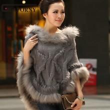 Сезон весна-осень; накидка из кроличьего меха; вязаное меховое пончо; отделка мехом енота; женский свитер;