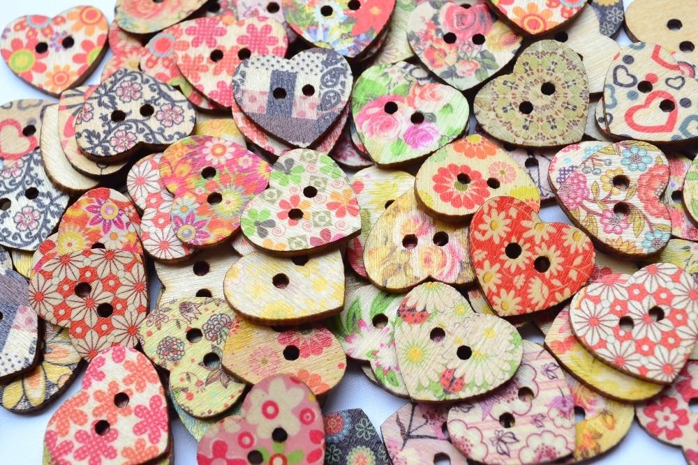 ③En forma de corazón pintado 2 Hole madera Botones para Costura ...