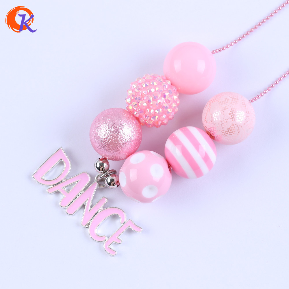 Cordial Design Fashion Jewelry Chunky Bubblegum Beaded Necklace Cute Pink Dance Letter Pendant Necklace CDLN-0043